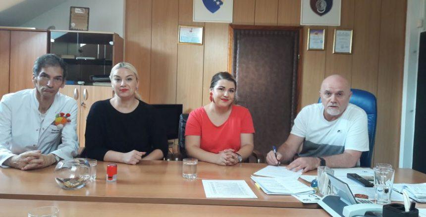 Udruzenje_Bombon_potpisivanje_memoranduma_1_manja